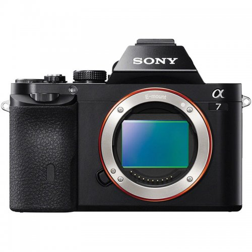 SONY Full Frame A7 24Mpx con zoom 28-70mm